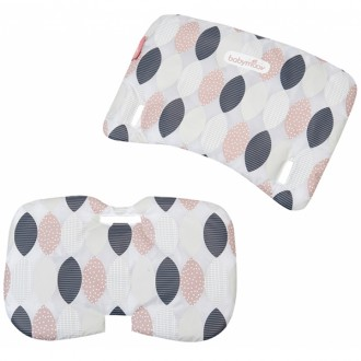 Coussins girly pour la chaise haute light wood